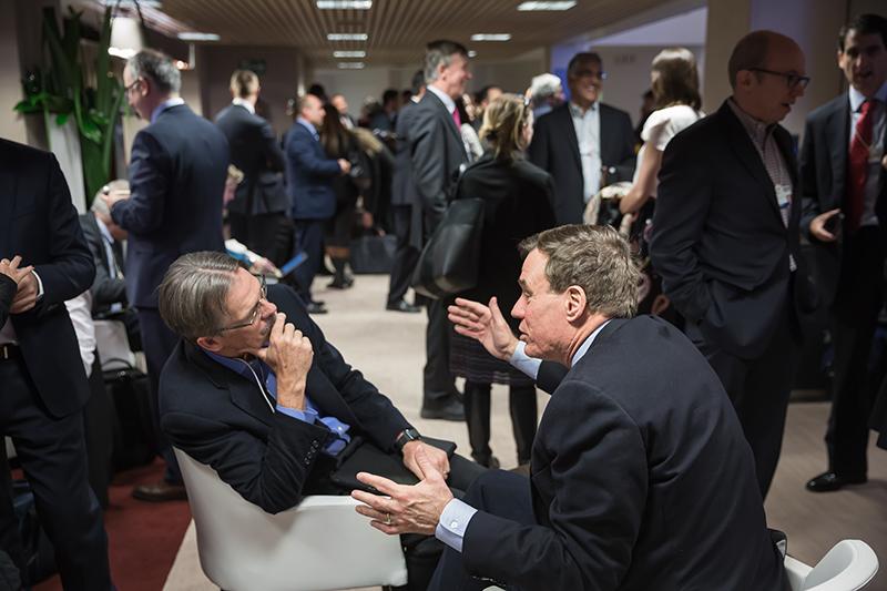 Momente de lucru la reuniunea anuală de la Davos, 2018.